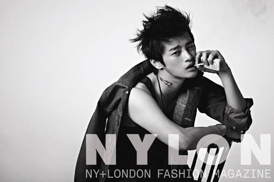 seoinguk+nylon+oct_2
