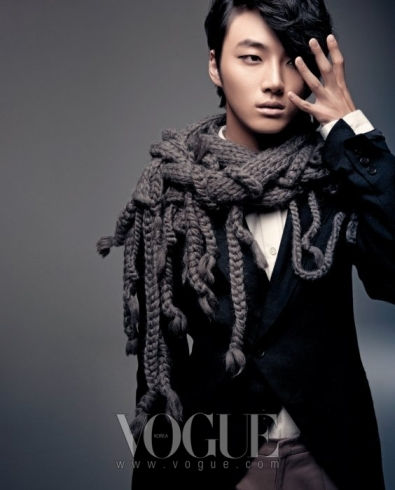 yoonsiyoon+vogue+jan10