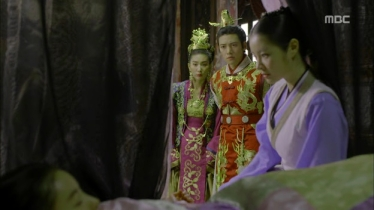 Empress.Ki.E12.131203.HDTV.XviD-LIMO.avi_002165165
