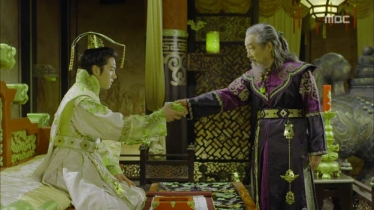 Empress.Ki.E12.131203.HDTV.XviD-LIMO.avi_003127527