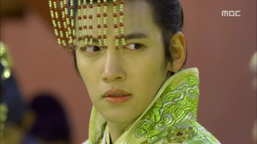 Empress.Ki.E13.131209.HDTV.XviD-LIMO.avi_000601334