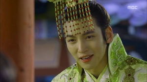 Empress.Ki.E14.131210.HDTV.XviD-LIMO.avi_000637170