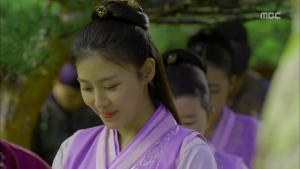 Empress.Ki.E14.131210.HDTV.XviD-LIMO.avi_001984250