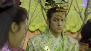 Empress.Ki.E14.131210.HDTV.XviD-LIMO.avi_001986486