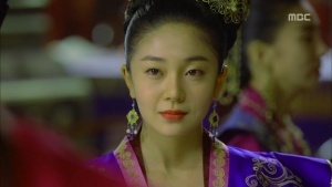 Empress.Ki.E14.131210.HDTV.XviD-LIMO.avi_002212779