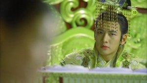 Empress.Ki.E14.131210.HDTV.XviD-LIMO.avi_002415148