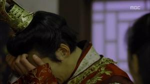 Empress.Ki.E15.131216.HDTV.XviD-LIMO.avi_000587253