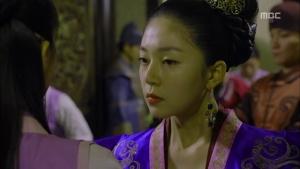 Empress.Ki.E16.131217.HDTV.XviD-LIMO.avi_002222756