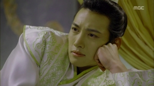 Empress.Ki.E17.131223.HDTV.XviD-LIMO.avi_000180680