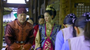 Empress.Ki.E18.131224.HDTV.XviD-LIMO.avi_000614581