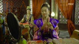Empress.Ki.E19.140106.HDTV.XviD-LIMO.avi_000558458