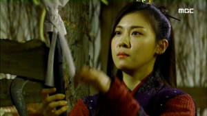 Empress.Ki.E21.140113.HDTV.XviD-LIMO.avi_001974174