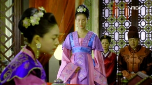 Empress.Ki.E21.140113.HDTV.XviD-LIMO.avi_002678878