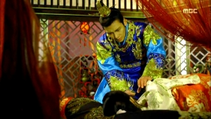 Empress.Ki.E24.140121.HDTV.XviD-LIMO.avi_001377644