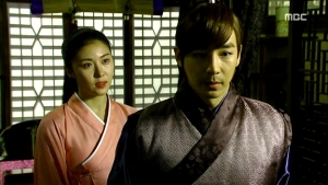 Empress.Ki.E24.140121.HDTV.XviD-LIMO.avi_002486786