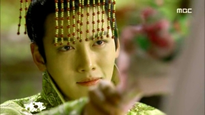 Empress.Ki.E26.140128.HDTV.XviD-LIMO.avi_000051317