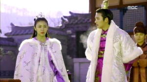 Empress.Ki.E27.140203.HDTV.XviD-LIMO.avi_000286686