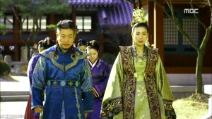 Empress.Ki.E27.140203.HDTV.XviD-LIMO.avi_000471805