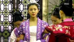 Empress.Ki.E27.140203.HDTV.XviD-LIMO.avi_003128528