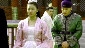 Empress.Ki.E28.140204.HDTV.XviD-LIMO.avi_001299532