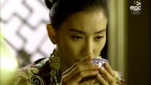 Empress.Ki.E29.140210.HDTV.XviD-LIMO.avi_000321021
