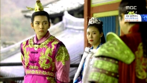 Empress.Ki.E31.140218.HDTV.XviD-LIMO.avi_000486252