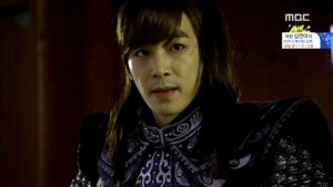 Empress.Ki.E31.140218.HDTV.XviD-LIMO.avi_001522856