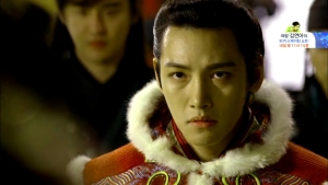 Empress.Ki.E31.140218.HDTV.XviD-LIMO.avi_001654821