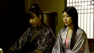 Empress.Ki.E35.140304.HDTV.XviD-LIMO.avi_000493426
