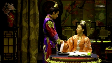 Empress.Ki.E35.140304.HDTV.XviD-LIMO.avi_001542876
