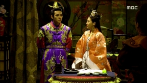 Empress.Ki.E35.140304.HDTV.XviD-LIMO.avi_001568468