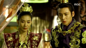 Empress.Ki.E35.140304.HDTV.XviD-LIMO.avi_002688121