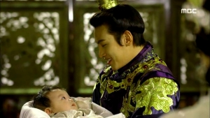Empress.Ki.E35.140304.HDTV.XviD-LIMO.avi_003083183