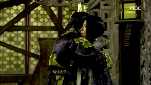 Empress.Ki.E36.140310.HDTV.XviD-LIMO.avi_002978778