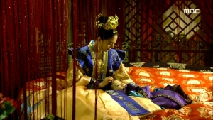 Empress.Ki.E37.140311.HDTV.XviD-LIMO.avi_000990023
