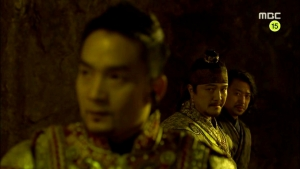 Empress.Ki.E38.140317.HDTV.XviD-LIMO.avi_000020053