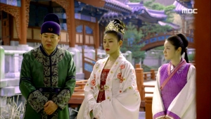 Empress.Ki.E38.140317.HDTV.XviD-LIMO.avi_003354688