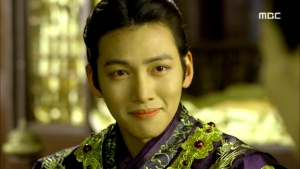 Empress.Ki.E39.140318.HDTV.XviD-LIMO.avi_000900000