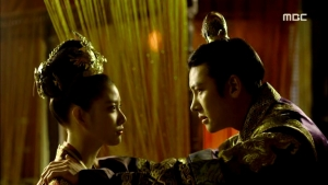 Empress.Ki.E39.140318.HDTV.XviD-LIMO.avi_001968802