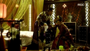 Empress.Ki.E39.140318.HDTV.XviD-LIMO.avi_002087454