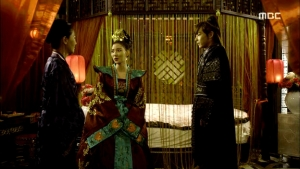 Empress.Ki.E39.140318.HDTV.XviD-LIMO.avi_002455388