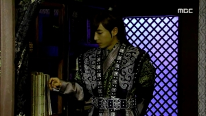 Empress.Ki.E39.140318.HDTV.XviD-LIMO.avi_003344911