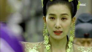 Empress.Ki.E44.140407.HDTV.XviD-LIMO.avi_000261928