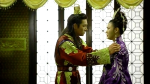 Empress.Ki.E44.140407.HDTV.XviD-LIMO.avi_000339706