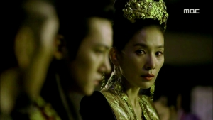 Empress.Ki.E44.140407.HDTV.XviD-LIMO.avi_001066700