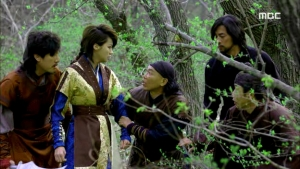 Empress.Ki.E44.140407.HDTV.XviD-LIMO.avi_003091991