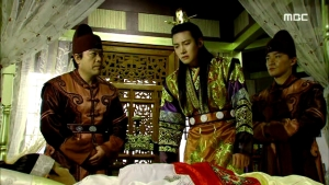 Empress.Ki.E46.140414.HDTV.XviD-LIMO.avi_001022122