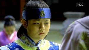 Empress.Ki.E46.140414.HDTV.XviD-LIMO.avi_002936069