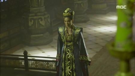 Empress.Ki.E47.140415.HDTV.XviD-LIMO.avi_000051718