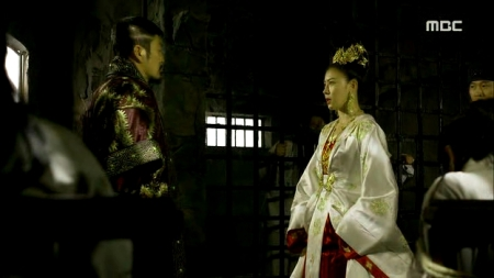 Empress.Ki.E47.140415.HDTV.XviD-LIMO.avi_001126159